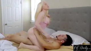 Chica rubia de piel blanca con el novio sexo erótico
