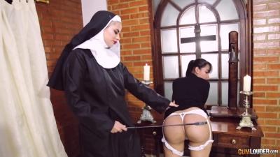 Lesbianas A la mierda en el monjas escuela