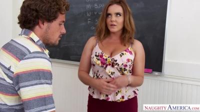 Estudiante de 19 años se folla a su gordita maestra