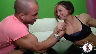 Video porno de mujer musculosa de cuerpo entero