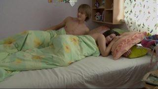 amantes rusos que hacen su sexo por la mañana