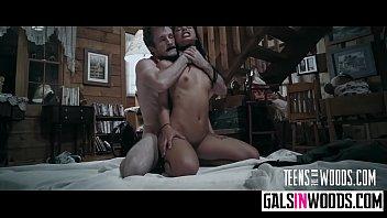 Jovencita brasileña sexy Gina Valentina sexo duro xxx