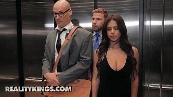 Porno en elevadores