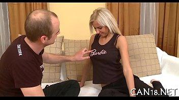 Video erótico de jovencita rubia