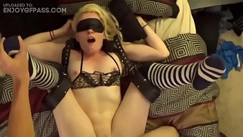 Vídeos porno de novia real mezclados en una gran compilación