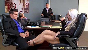 Brazzers Sexo Videos – Sexo en la reunión de negocios